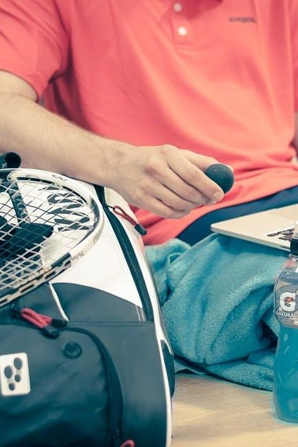 Squash player contacting Squash Orlando